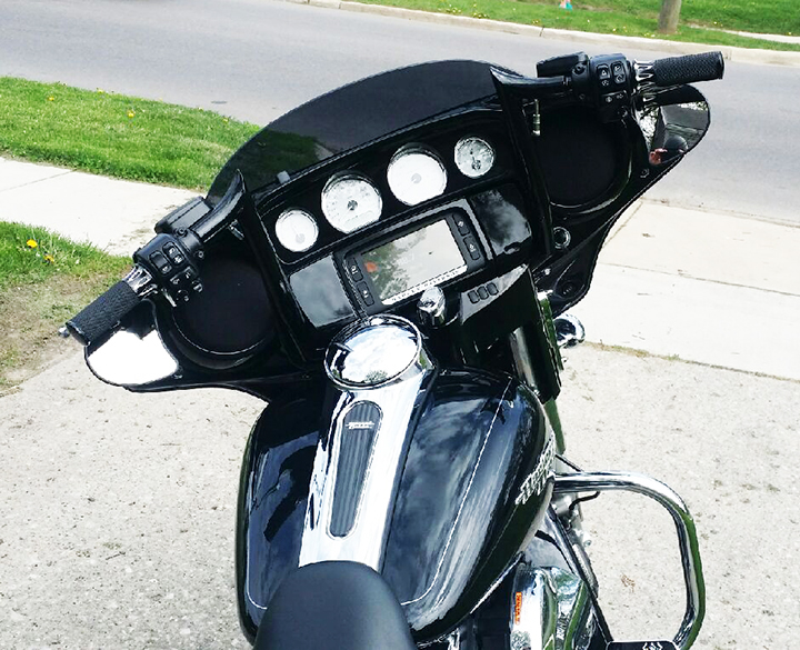 Modelpart further New Chrome Fairing Mounted Driving Lights With Turn Signals For Harley Street Glide Road King Flht further Modelpart besides Modelpart also A  Zps E. on harley road king turn signal relocation front