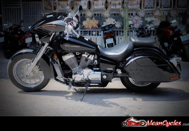 Harley Turn Signal Bracket furthermore 611899 Street Bob Front Turn Signal Relocation 3 in addition View further Kawasaki Vulcan 900 Custom Viking Prima Leather Motorcycle Saddlebags additionally 191061281362. on turn signal relocation kit