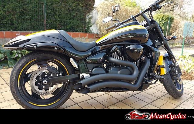 MeanCycles | BLACK SHARP CURVE RADIUS EXHAUST FOR M109R ((IN STOCK