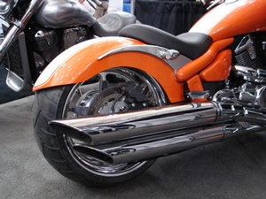 MeanCycles |  280-300 FENDER FOR M109R (AVAILABLE PRIME OR