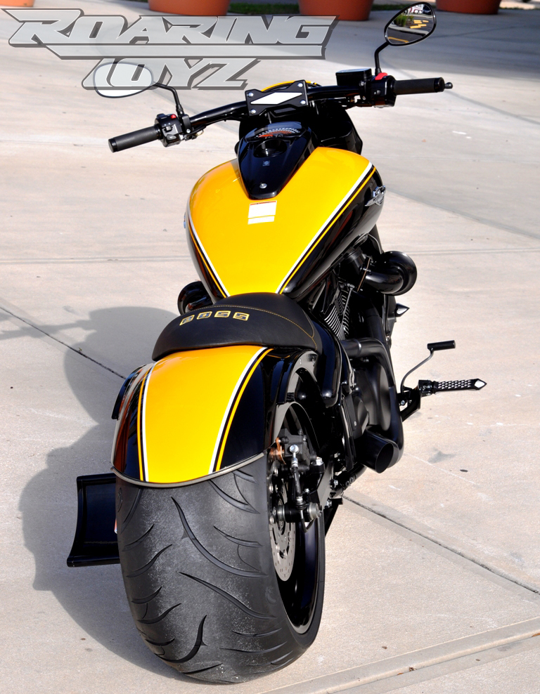 MeanCycles    280-300 FENDER FOR M109R (AVAILABLE PRIME OR