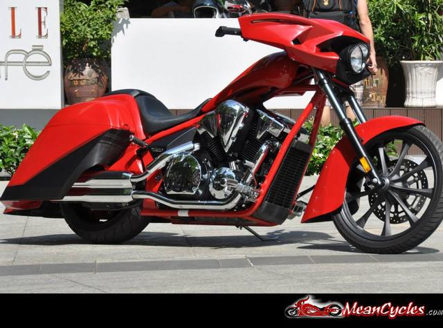 MeanCycles |  REAR BAGGER KIT FOR HONDA FURY, SABRE